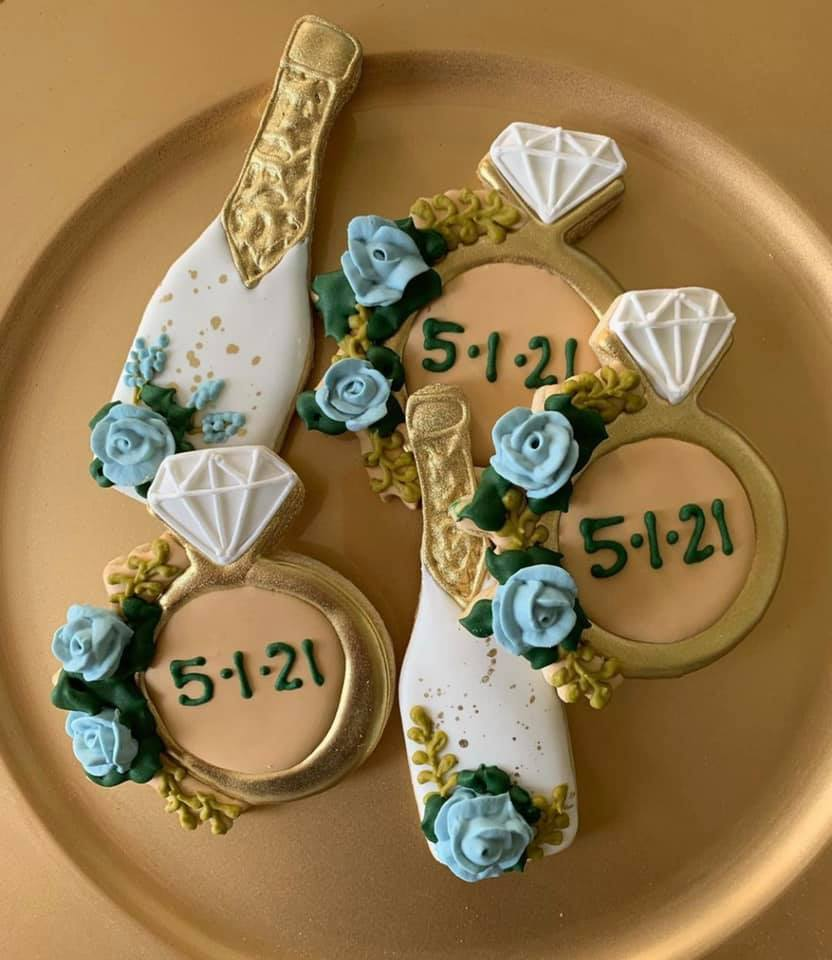ring and champagne bottle cookies